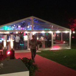 tent, festivalbruiloft, outdoorbruiloft, bruiloftconcept, totaalconcept